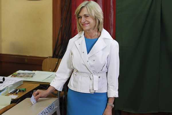 Chilean presidential candidate of the conservative right-wing bloc Matthei casts her ballot during the presidential election in Santiago