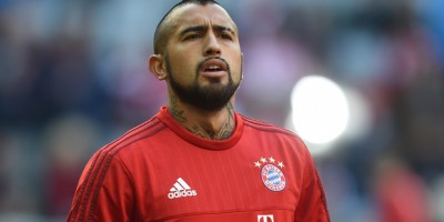 Bayern Munich's Chilean midfielder Arturo Vidal reacts during the German first division football Bundesliga match between FC Bayern Munich and FC Cologne on October 24, 2015 in Munich, southern Germany. AFP PHOTO / CHRISTOF STACHE  RESTRICTIONS: DURING MATCH TIME: DFL RULES TO LIMIT THE ONLINE USAGE TO 15 PICTURES PER MATCH AND FORBID IMAGE SEQUENCES TO SIMULATE VIDEO.  ==RESTRICTED TO EDITORIAL USE == FOR FURTHER QUERIES PLEASE CONTACT THE DFL DIRECTLY AT + 49 69 650050. / AFP / CHRISTOF STACHE